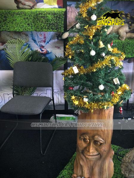 Animatronic Christmas Tree