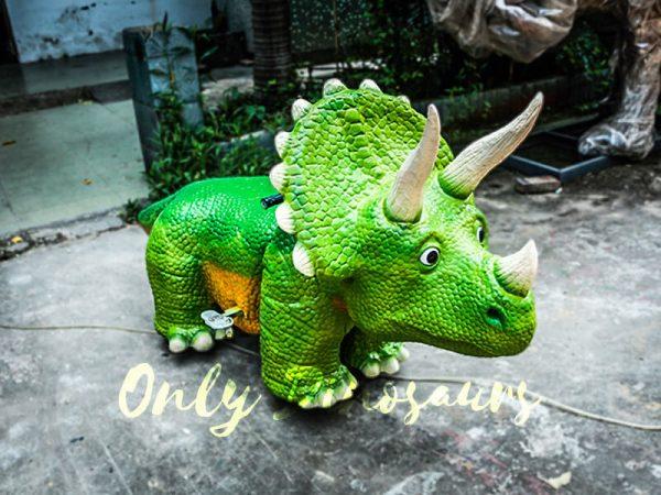 Vivid Green Triceratops Dinosaur Scooter1