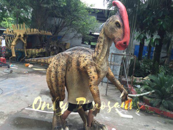 Impressive-Walking-Parasaurolophus-Costume2