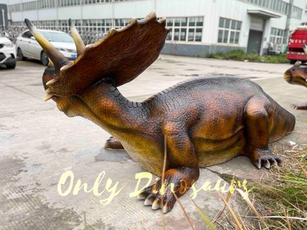 Funny-Fiberglass-Dinosaur-Triceratops-Bench7