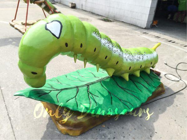 Giant-Lifelike-Animatronic-Oleander-Hornworm4