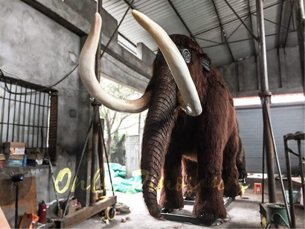 Lifelike-Robotic-Prehistoric-Mammoth-Animal-Statue-for-Show4