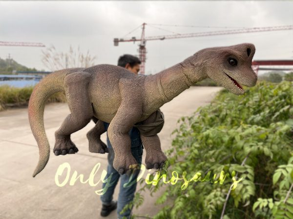 Magic-Wearable-Brachiosaurus-Shoulder-Puppet5