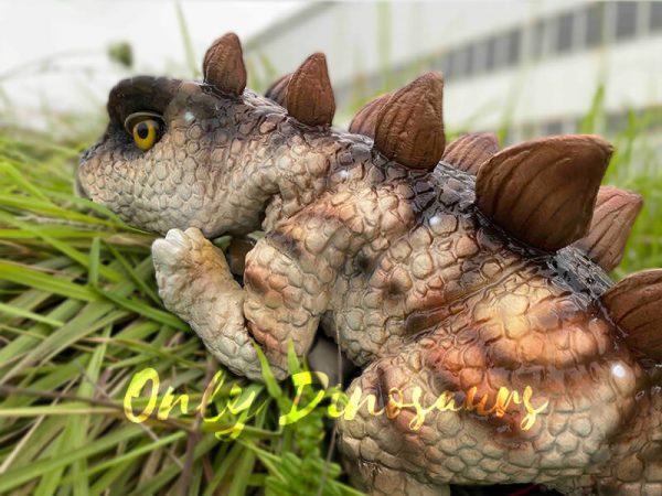 Naughty-Stegosaurus-Dinosaur-Handheld-Puppet6