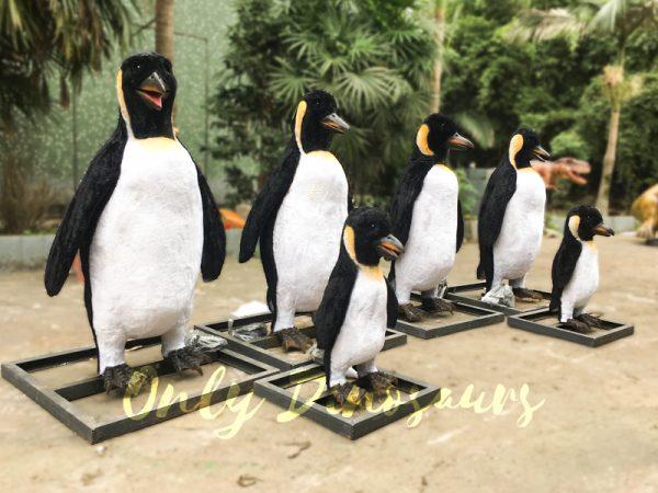 Vivid-Animatronic-Family-Penguin-Models6
