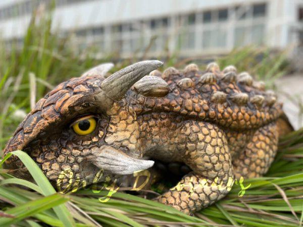 Realistic-Dinosaur-Baby-Ankylosaur-False-Arm-Puppet3